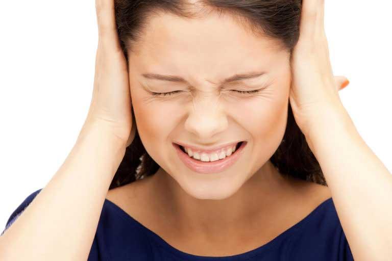 Что делать, если после насморка заложило ухо