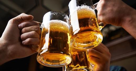 Три бокала пива