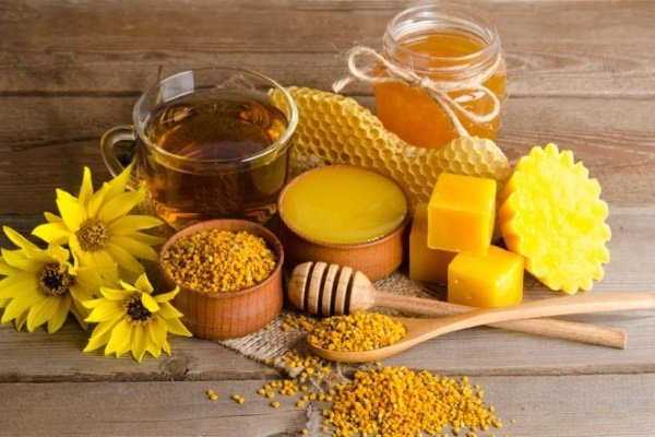 продукты пчеловодства в составе свечей