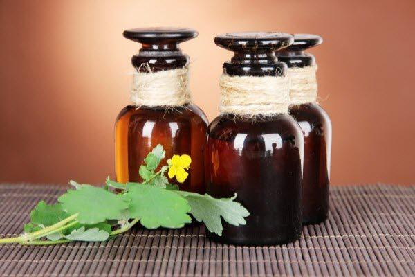 лечение аденомы чистотелом