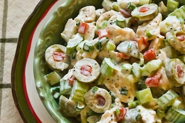 салат из сельдерея с курицей и морепродуктами