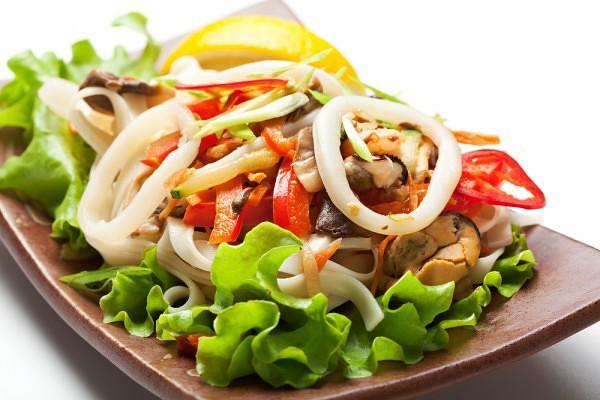 салат морепродукты с имбирем
