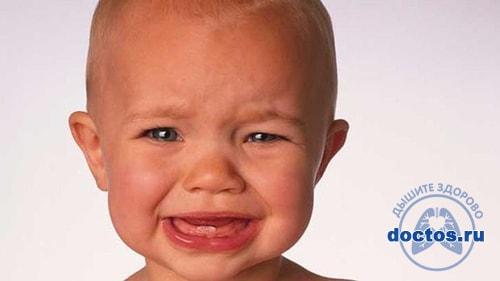 Плач ребенка при прорезывании зубов