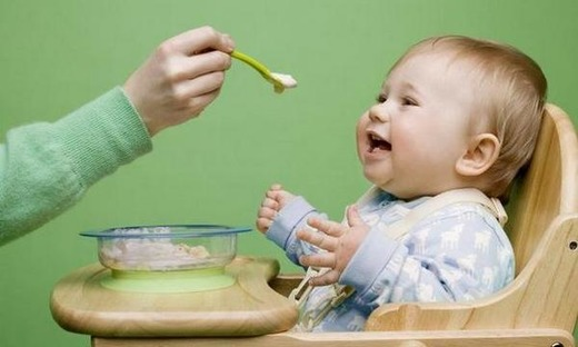 Кормление ребенка полезной пищей